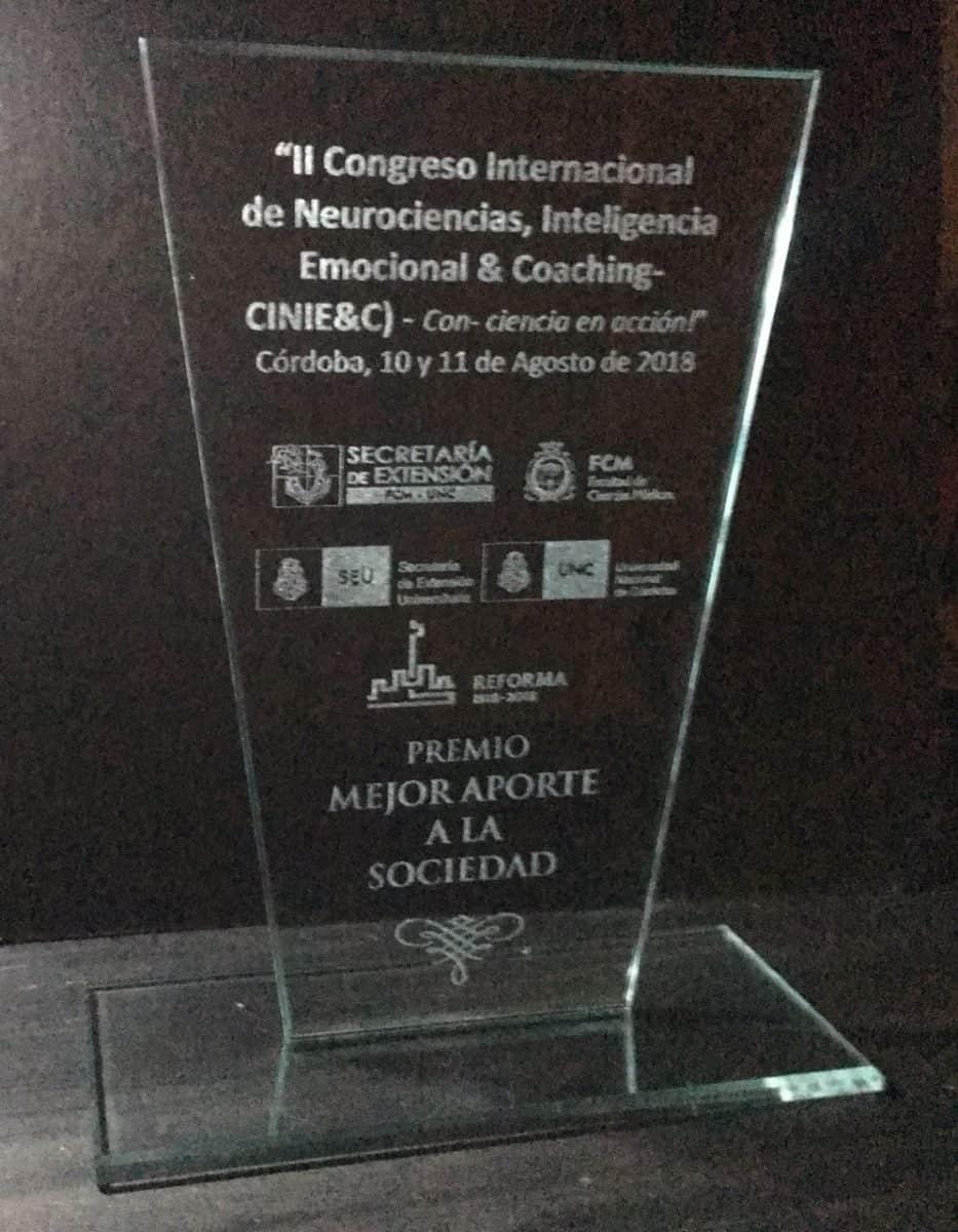 Premio Mejor Aporte a la Sociedad